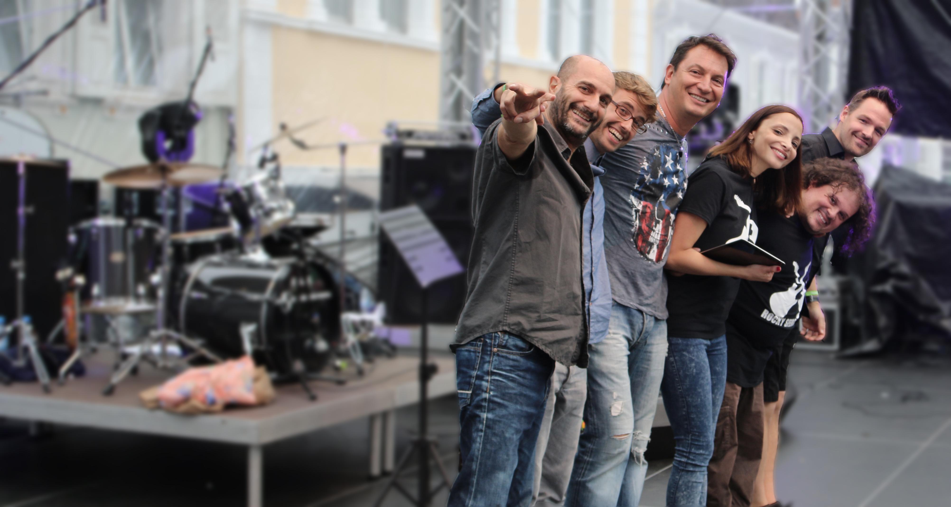 Band_Bühne_neu_V2_web1